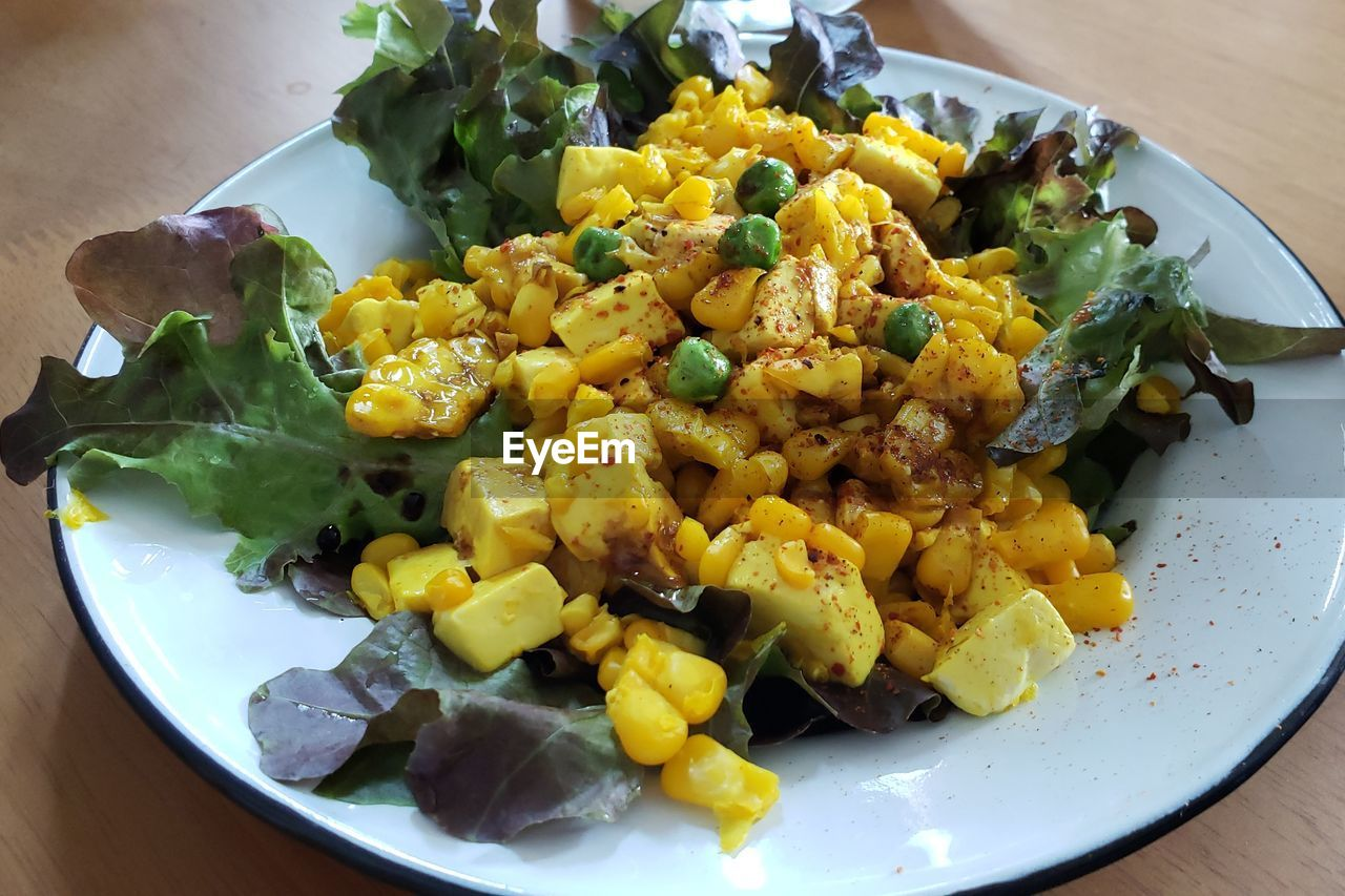food, food and drink, ready-to-eat, freshness, wellbeing, healthy eating, plate, vegetable, serving size, table, still life, close-up, high angle view, indoors, corn, no people, salad, meal, sweetcorn, yellow, crockery, breakfast, vegetarian food, snack