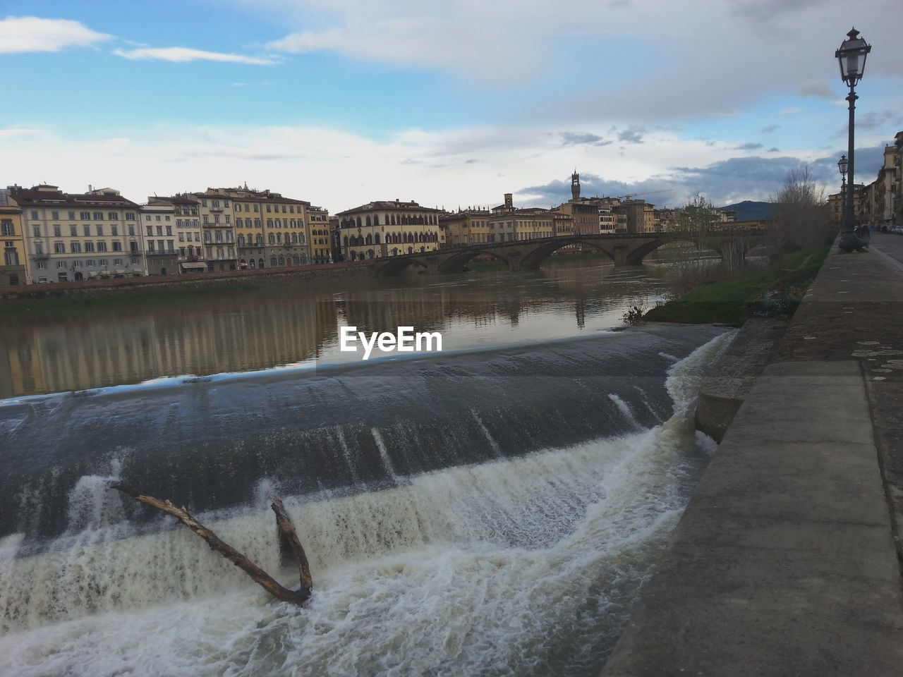 architecture, built structure, water, hydroelectric power, dam, building exterior, sky, motion, fuel and power generation, river, outdoors, day, no people, nature, city