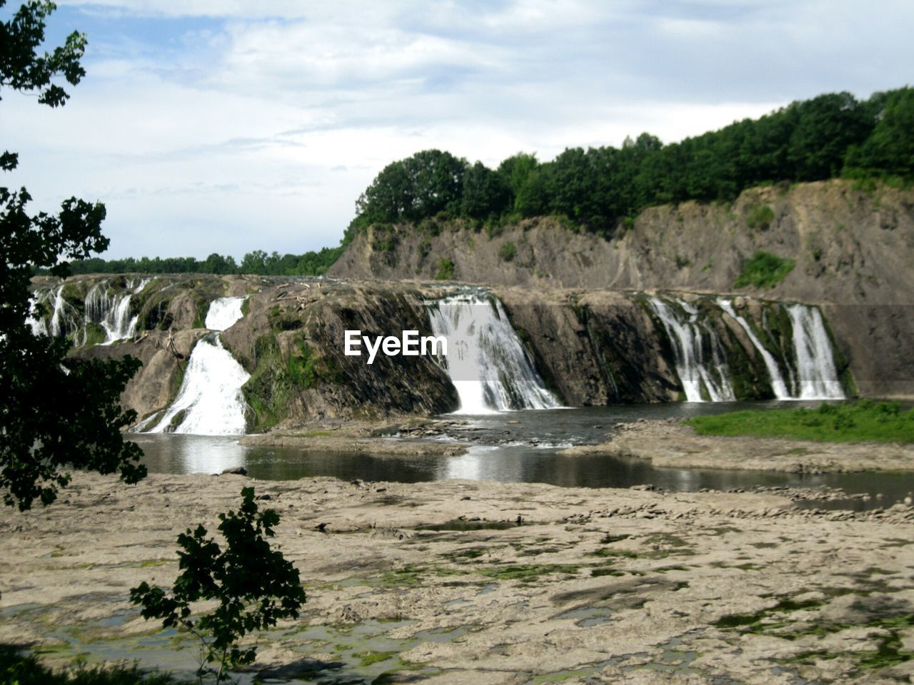Scenic view of cohoes falls against sky