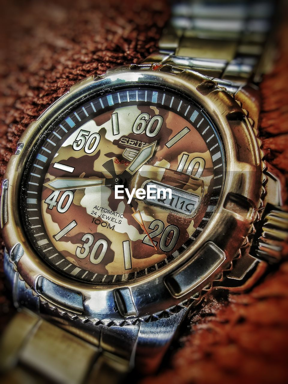 watch, number, close-up, wristwatch, selective focus, time, metal, no people, indoors, accuracy, still life, high angle view, communication, instrument of time, text, pocket watch, clock, day, shiny, silver colored, personal accessory, minute hand
