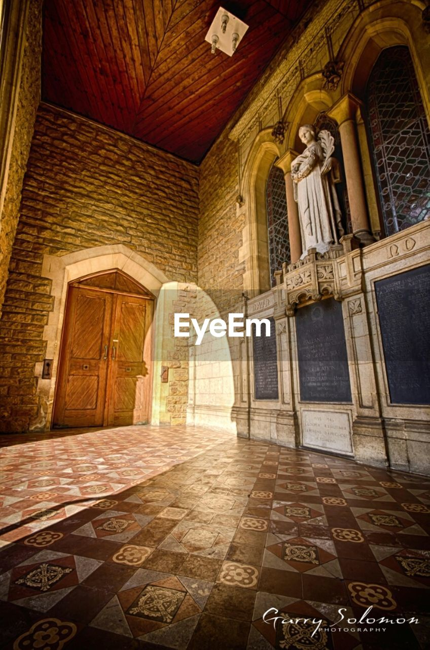 history, architecture, travel destinations, indoors, no people, built structure, architectural column, spirituality, place of worship, day
