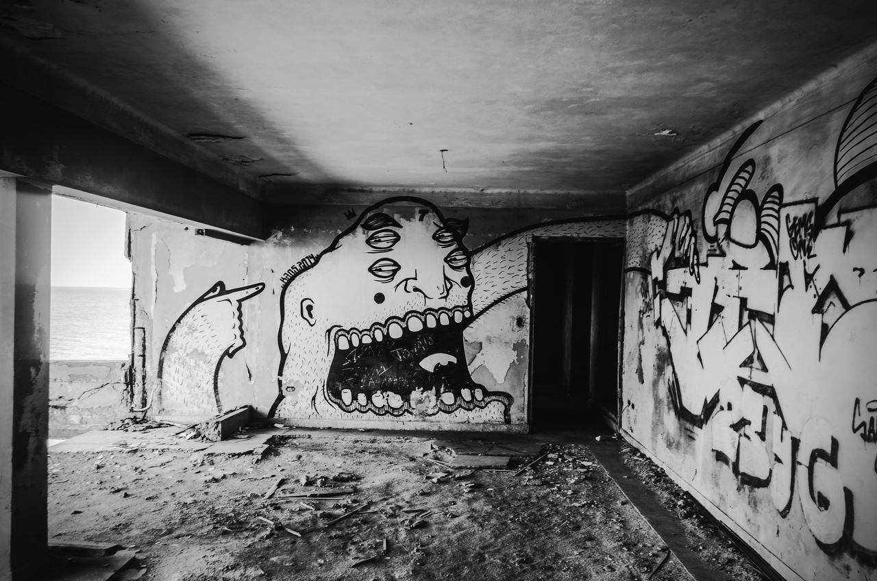graffiti, art and craft, built structure, architecture, messy, abandoned, indoors, no people, damaged, day, close-up
