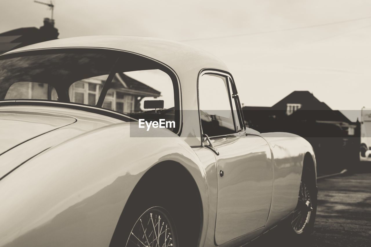 transportation, mode of transport, land vehicle, car, stationary, retro styled, day, outdoors, no people, close-up