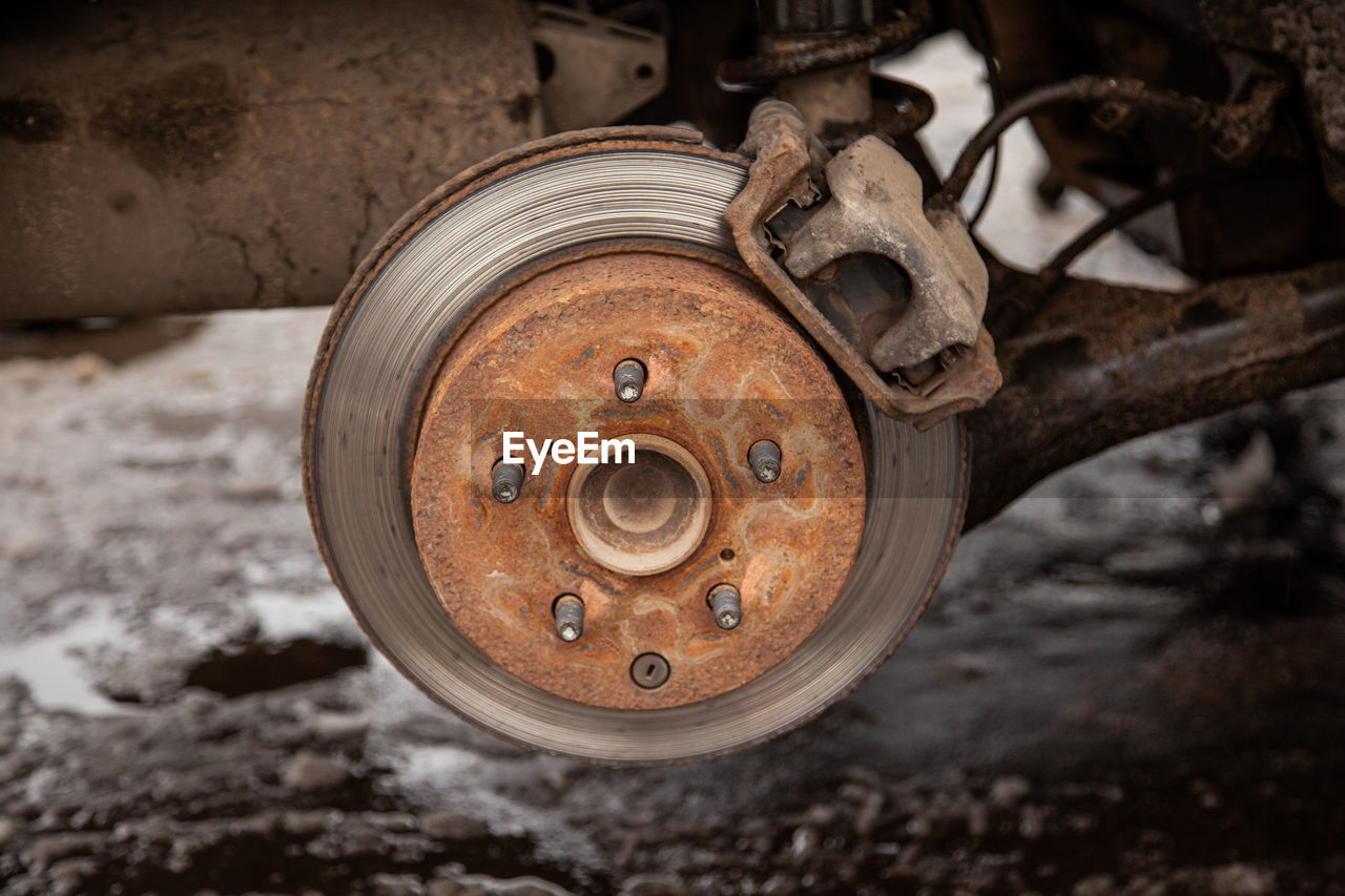 rusty, metal, abandoned, close-up, old, machinery, focus on foreground, no people, machine part, obsolete, decline, deterioration, damaged, wheel, run-down, circle, weathered, shape, day, transportation