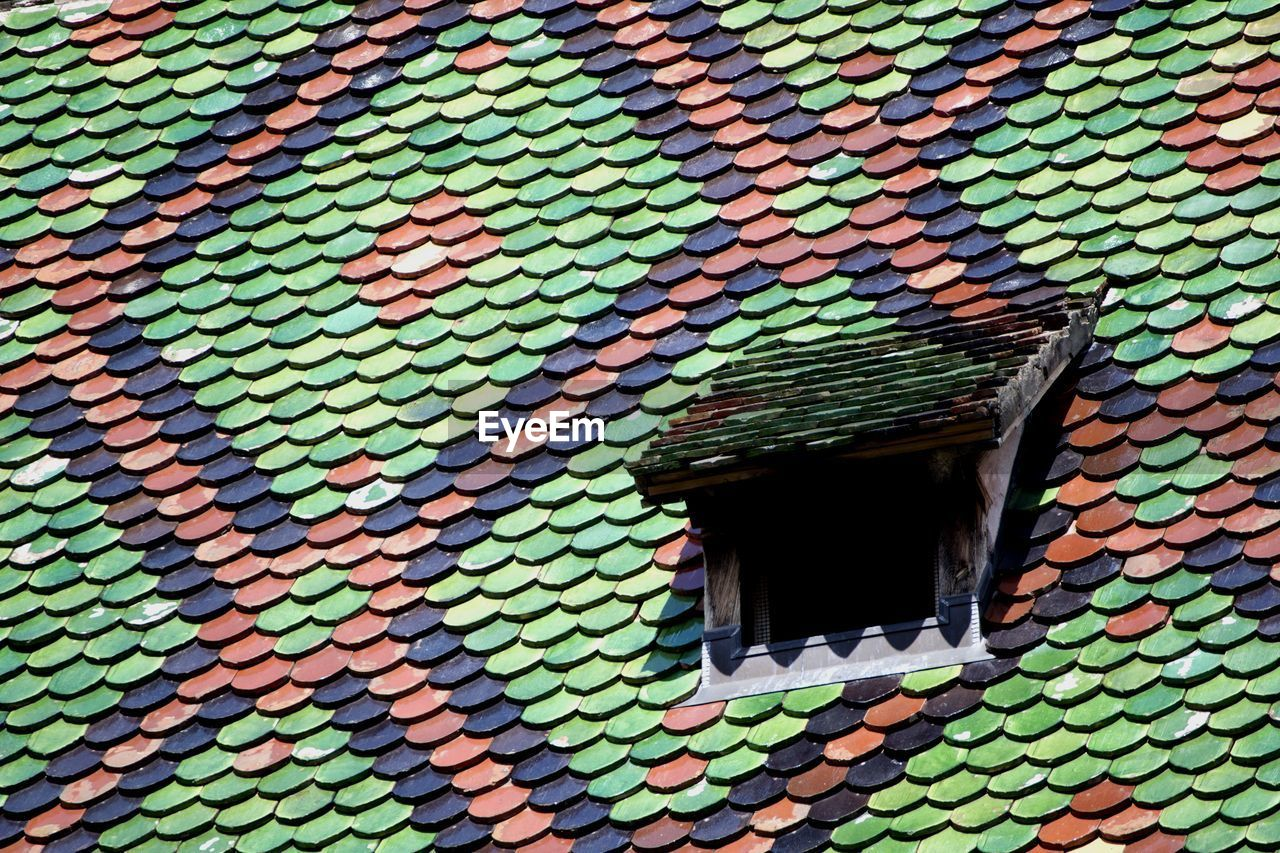 architecture, pattern, day, built structure, building exterior, full frame, outdoors, multi colored, no people, close-up