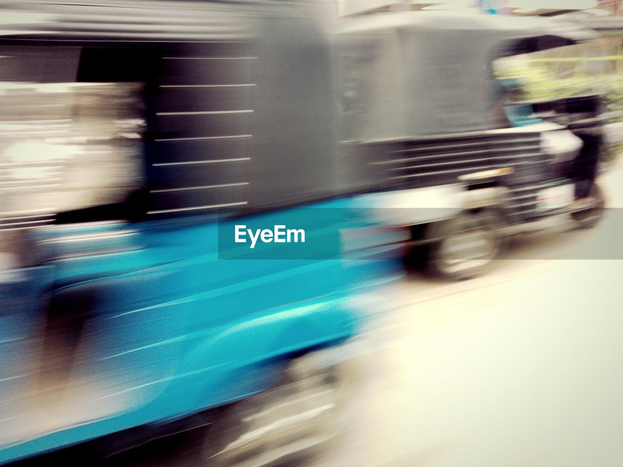 blurred motion, motion, speed, transportation, no people, day, outdoors