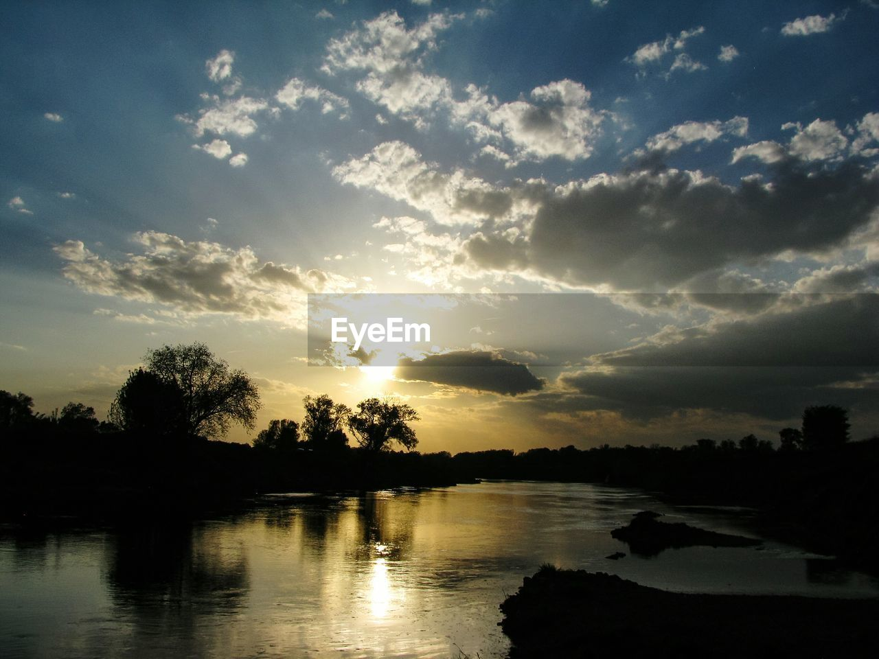 sky, cloud - sky, sunset, water, beauty in nature, scenics - nature, tree, silhouette, tranquility, tranquil scene, reflection, plant, nature, lake, idyllic, no people, non-urban scene, outdoors, environment
