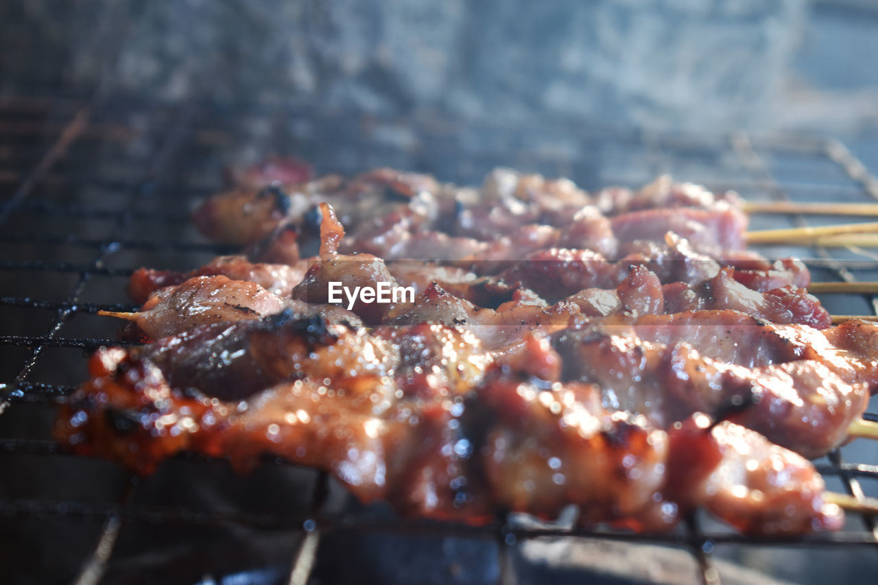 food and drink, food, meat, freshness, barbecue, grilled, close-up, still life, no people, healthy eating, barbecue grill, wellbeing, ready-to-eat, selective focus, preparation, day, heat - temperature, skewer, outdoors, smoke - physical structure, preparing food, temptation