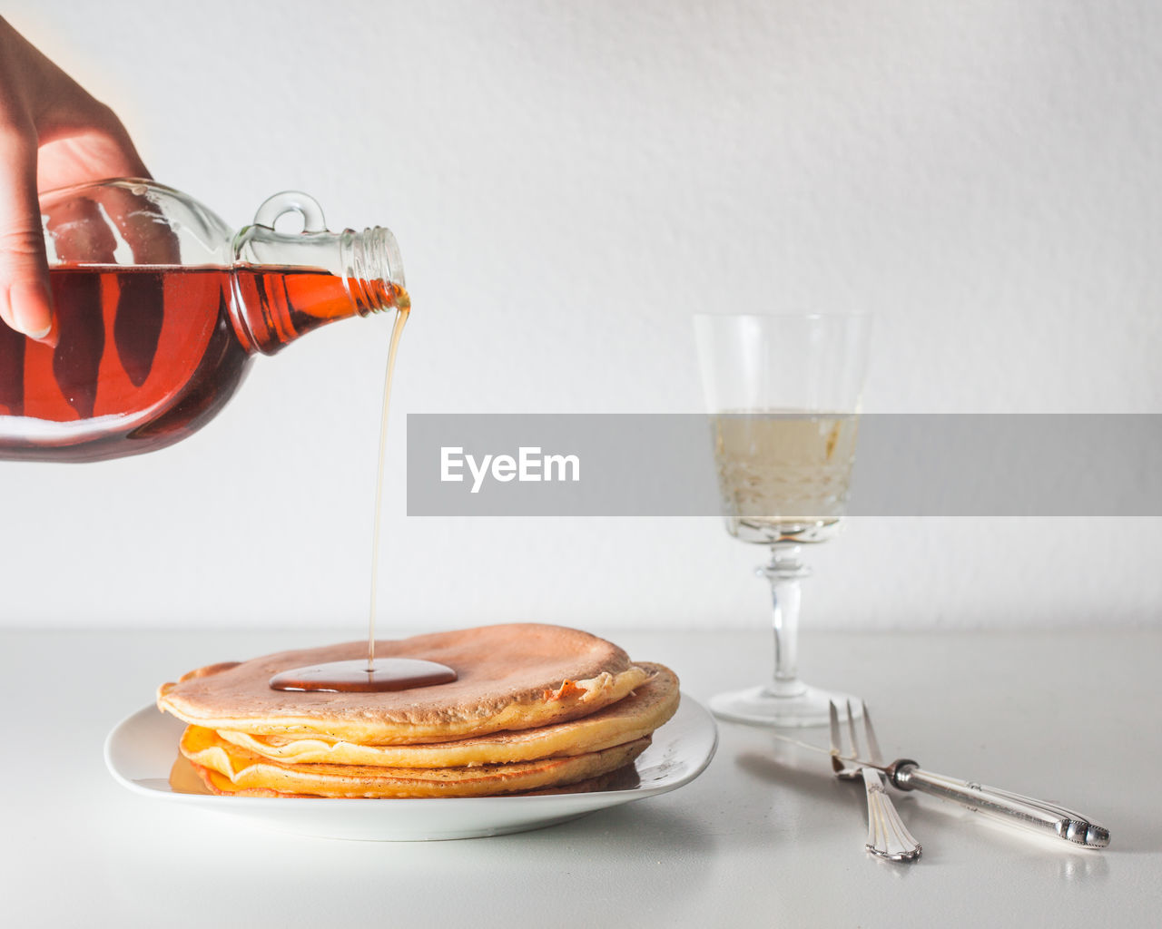 food and drink, drink, refreshment, food, glass, indoors, table, freshness, sweet food, ready-to-eat, dessert, cake, baked, close-up, sweet, wineglass, pouring, drinking glass, transparent, alcohol, hand, temptation
