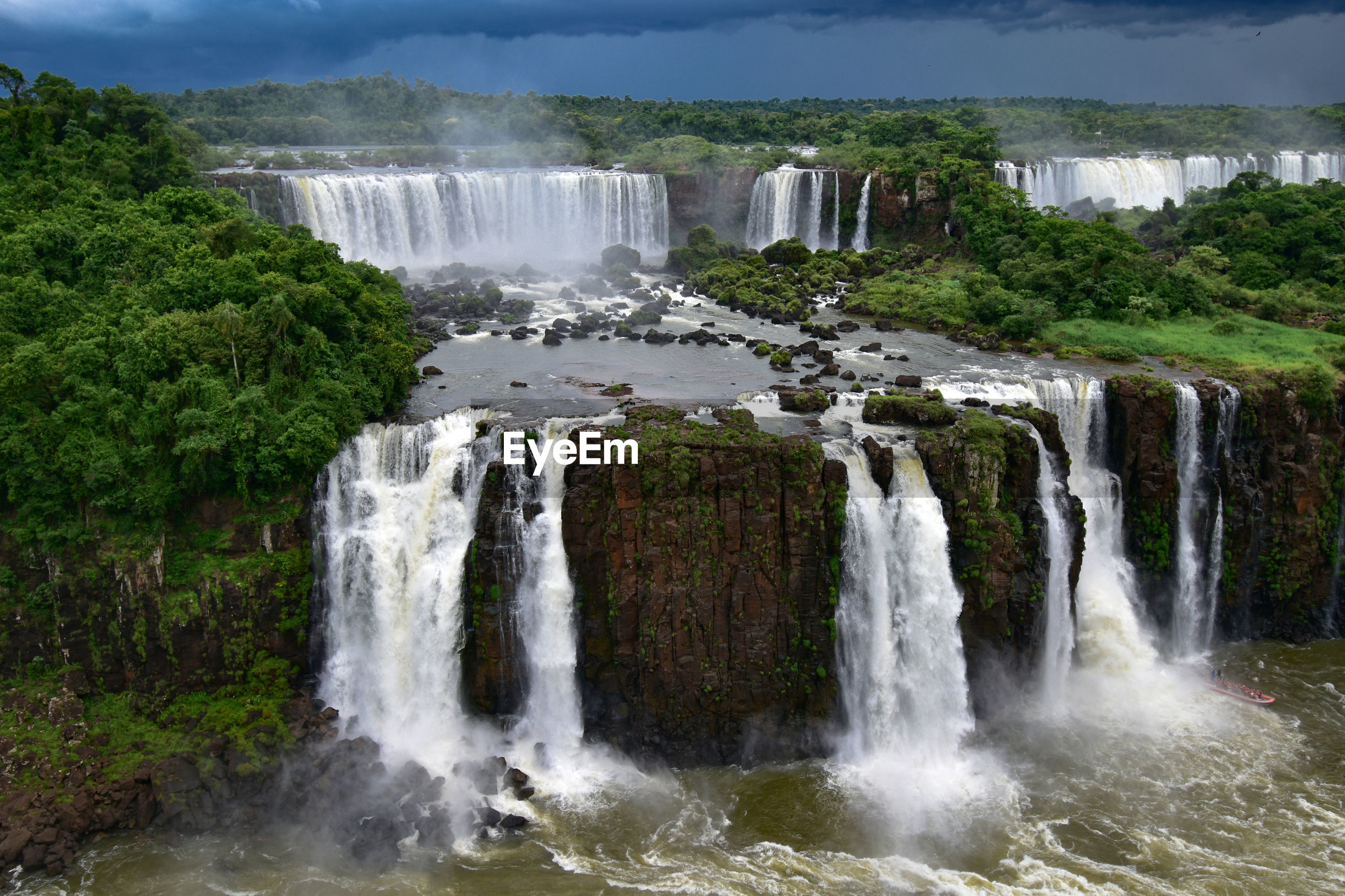 Scenic view of waterfall - cataratas do iguaçu