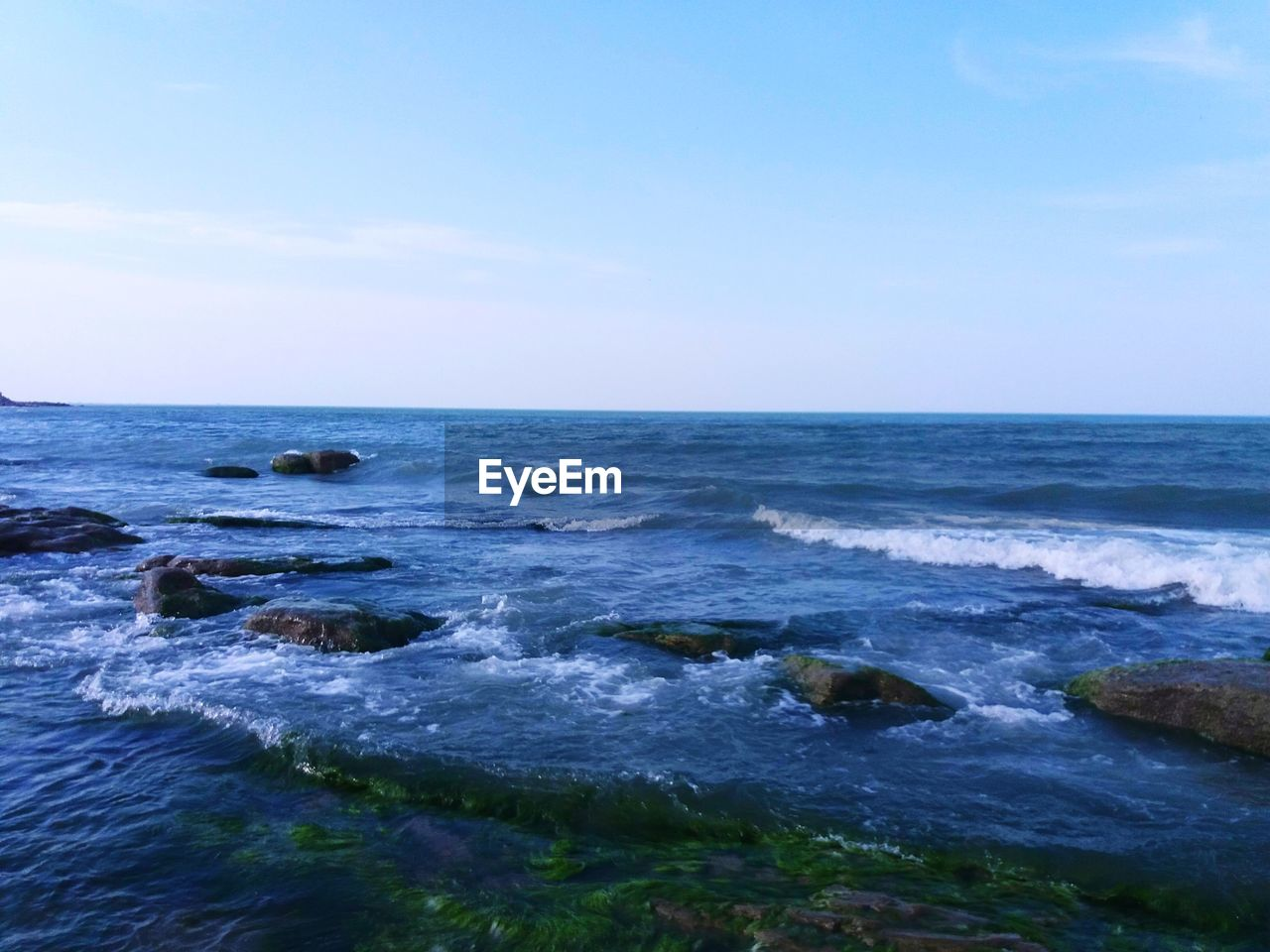 water, sea, sky, horizon, horizon over water, scenics - nature, rock, beauty in nature, motion, land, wave, nature, solid, beach, rock - object, sport, no people, tranquil scene, day, outdoors