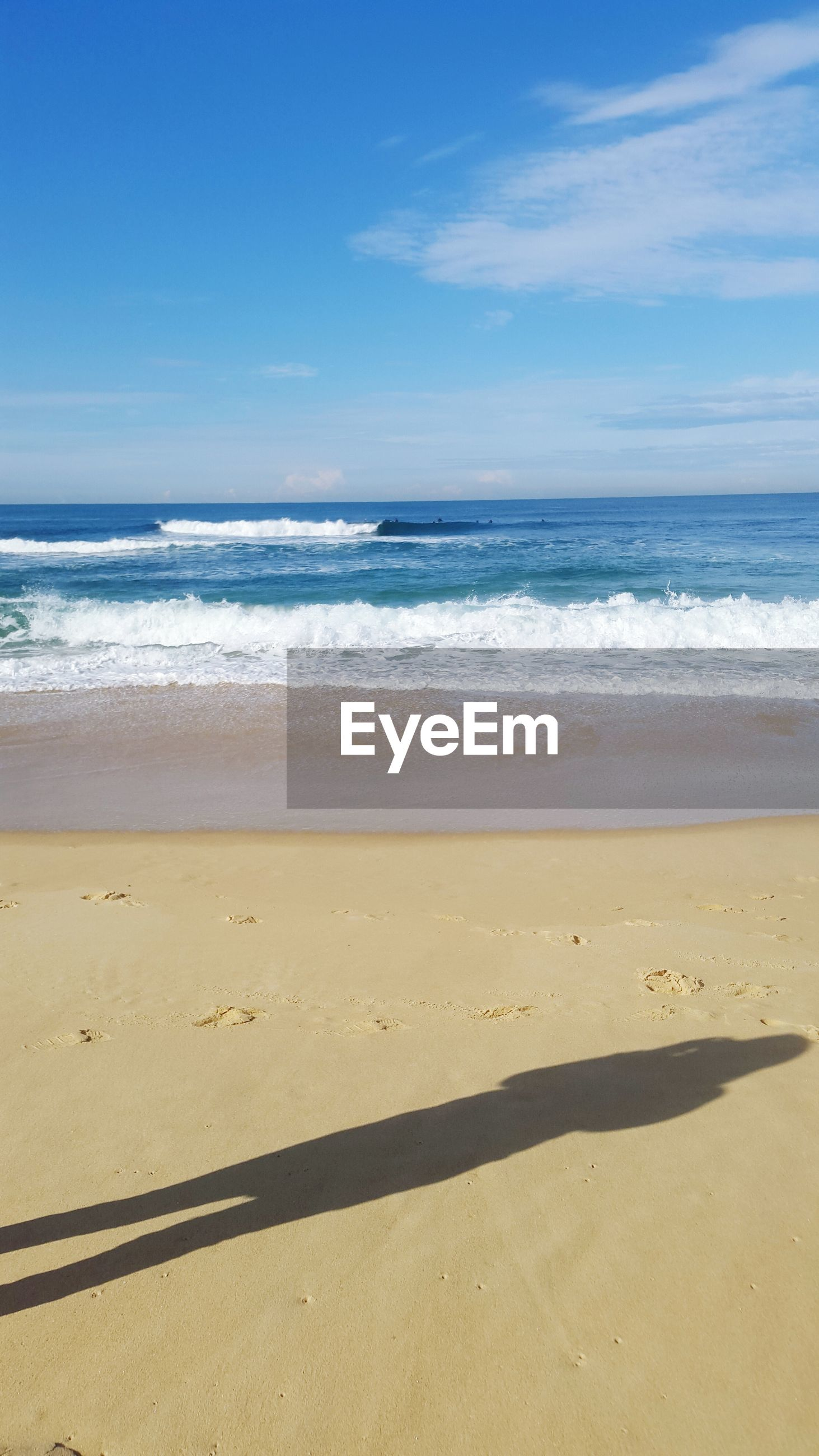 beach, sea, sand, horizon over water, shore, water, sky, tranquility, tranquil scene, scenics, beauty in nature, wave, nature, idyllic, footprint, surf, coastline, day, remote, outdoors