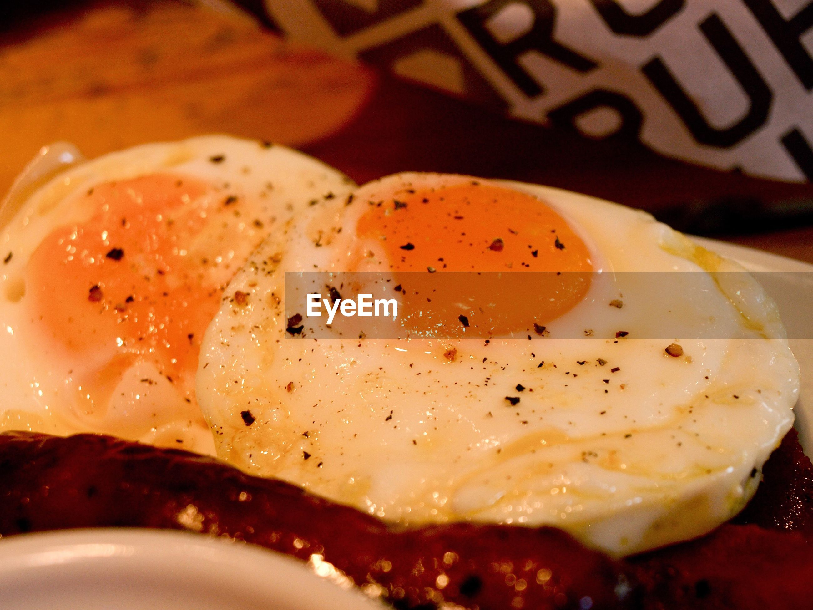 CLOSE-UP OF FRESH BREAD WITH EGG