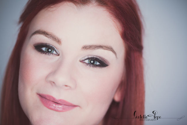 Simply beautiful EyeEm Best Shots Eye4photography  Bestoftheday Photooftheday Picoftheday Shooting Model Girl Woman Beautiful Beauty Check This Out Portrait Closeup Love Makeup Redhair BlueEyes Sister Roundflash Retouch Gorgeous Circularsoftbox Studio NataliaPopaPhotography