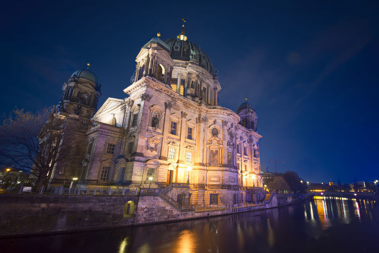 The Berlin cathedral seen at night. Berlin Bright Church Germany 🇩🇪 Deutschland Architecture Building Building Exterior Built Structure Church Exterior City Dome Evening History Illuminated Night No People Reflection Religion Sky The Past Tourism Travel Travel Destinations Water
