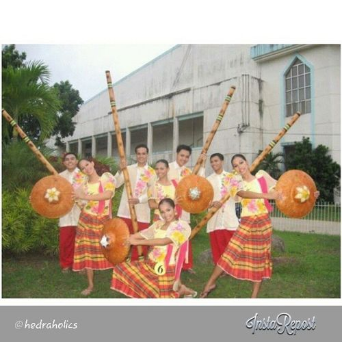 rep0st fr0m @hedraholics :) Tinikling Cpuuday09 F0Lkdance Champi0n