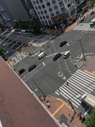High Angle View Road Transportation Architecture Road Marking Built Structure Mobility In Mega Cities Land Vehicle City Car City Street