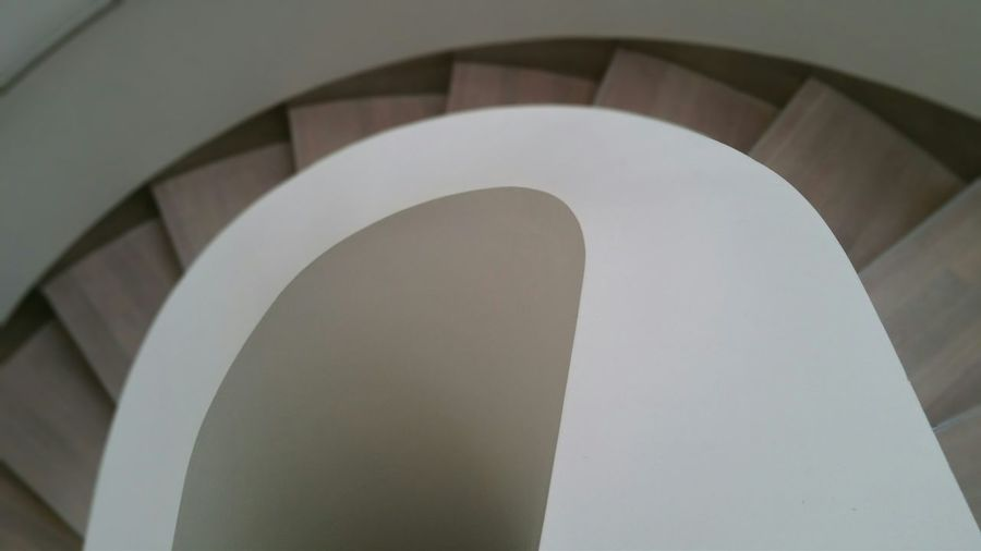 Taking Photos with my Samsung Galaxy Note Edge. No Filter needed. Stairs Throw A Curve White Amazing Architecture Architectural Detail Art Gallery Exhibition