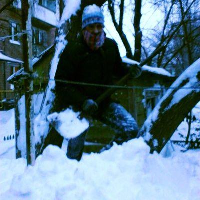 снег_на_улице снег уборка помощь хлипкая_лопата Ростов_на_дону Ростов -30 холод