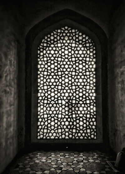 Indoors  Arch Pattern No People History Built Structure Architecture Day Religion Place Of Worship Archeological Complex Mughal Old Delhi Window Bygone Times Bygone Days Forgotten Places  Traveling Home For The Holidays Finding New Frontiers