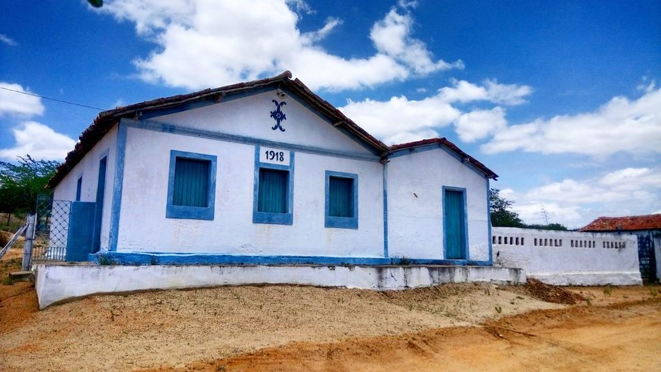 Architecture House No People Sky Cloud - Sky Building Exterior Casarão Antigo Historia Rural Scene Paraíba / Brasil Casarão antigo, construido em 1918 Minimalist Architecture