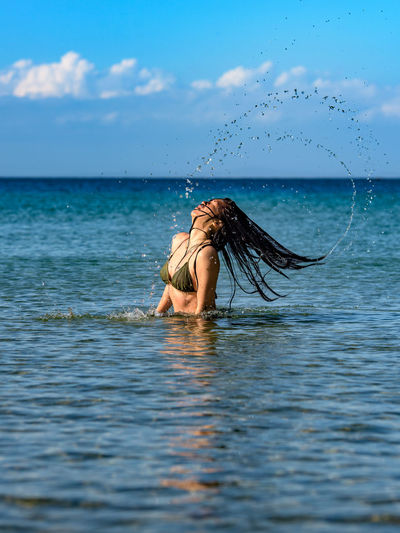 Splashing hair Beauty In Nature Copy Space Girl Hair Let Your Hair Down Model Nature Outdoors Pretty Splash Swimming The Great Outdoors - 2016 EyeEm Awards The Great Outdoors With Adobe Water The Essence Of Summer Sommergefühle Done That.