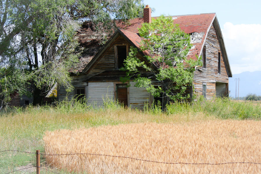 Abandon_seekers Abandoned & Derelict Abandoned House Abandoned Places Abandoned_junkies Am Farm Life Haunt Montana Montanamoment Old-fashioned Outside Photography Ranch Life