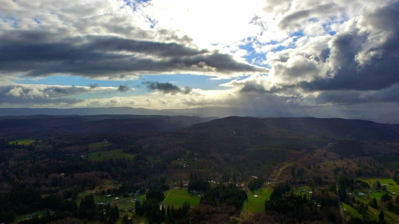 Flying High Nature Cloud - Sky Landscape Scenics Outdoors Beauty In Nature No People Day Dramatic Sky Darryn Doyle Check This Out Eye4photography  Looking To The Other Side Extraordinary  Backgrounds Sunbeam Sky Dronephotography Columbia River Eye4photography