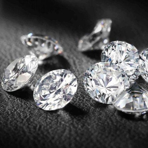 Para Fanaticos Fanaticas de Los Diamantes (Pff a los mas uno pequeñitoooo en un anillo Ring )