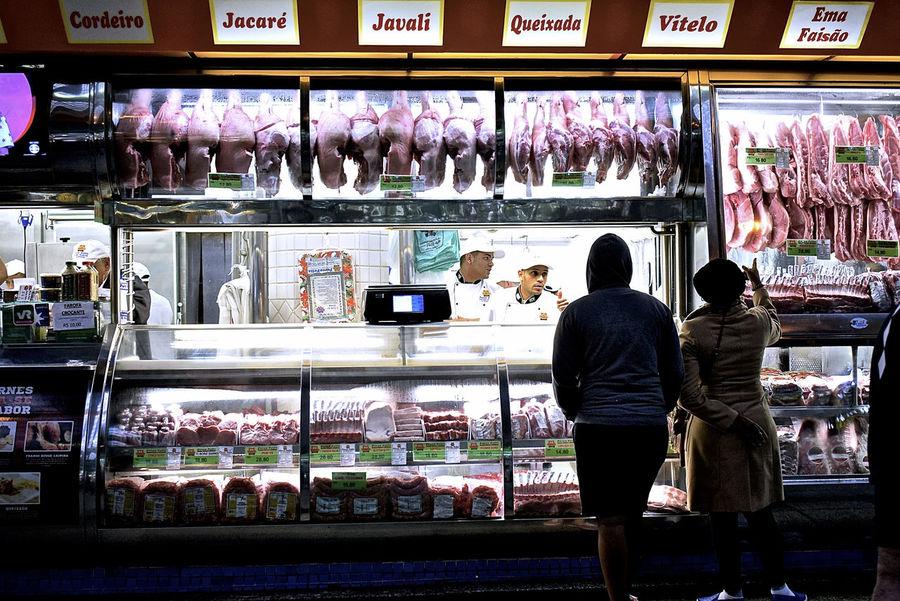 Dead Animals Meat Geometry EyeEm Selects EyeEm Best Shots Mercado Municipal De São Paulo EyeEmBestPics Eyemphotography Buying Food Blood Focus On Foreground Cool Day Indoors  The Week On EyeEm Adventures In The City