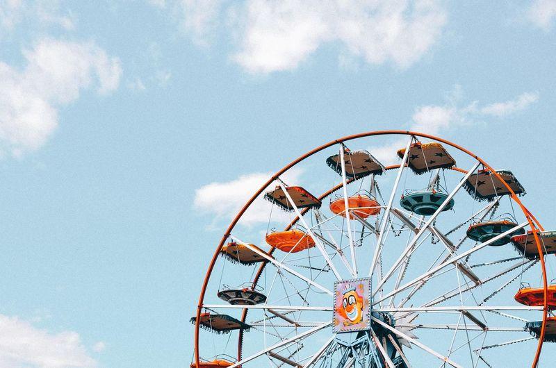 Ferris Wheel Ferriswheel Ferriswheelinthecity🎡🎢 EyeEm Selects Ferris Wheel Sky Close-up Cloud - Sky