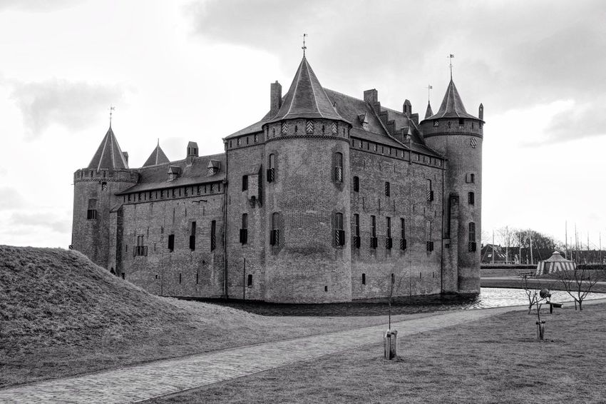 Castle Muiderslot Monochrome From My Point Of View Moiré Black And Bright