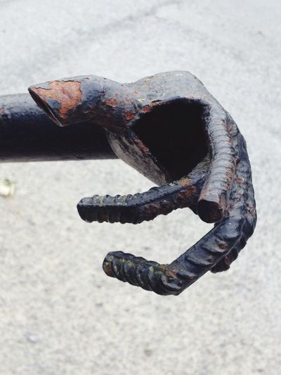 Metal Iron Clawed Hand Forged Iron Statue Ironwork