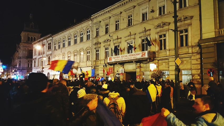 Large Group Of People People Outdoors Protesters Protesting No Corruption ! Romania Arad 4000 People Miles Away Uniqueness Lieblingsteil Minimalist Architecture Resist