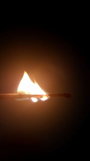 Night High Contrast Close-up Matchstick Light In The Darkness Flames & Fire Burning Wood Macro Photography Silhouette Heat - Temperature Burning Fire Lit Flame Heat Darkroom