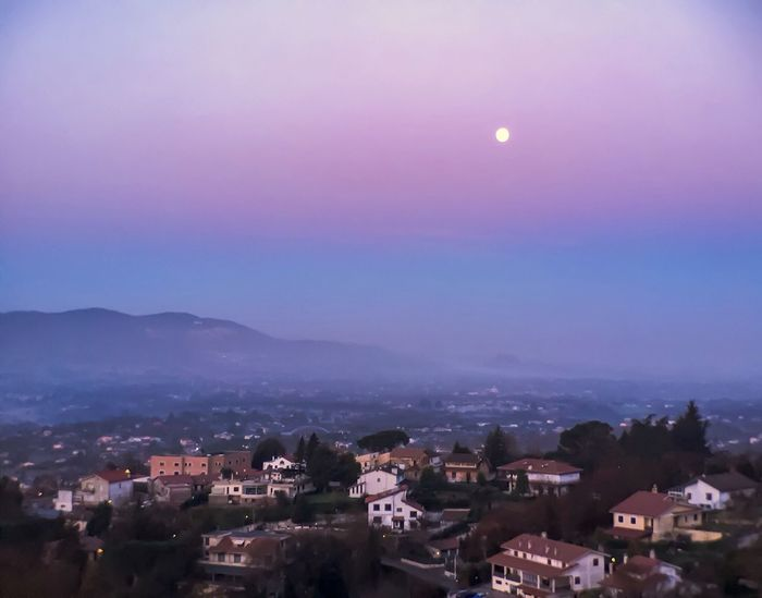 Moonsets FullMoonLight Moon Morning Village Early Morning Marsmallow Cloud Nature Serenity Mobile Photography ShotOniPhone6 Moment Lens Foggy Morning Palestrina Roma Italy