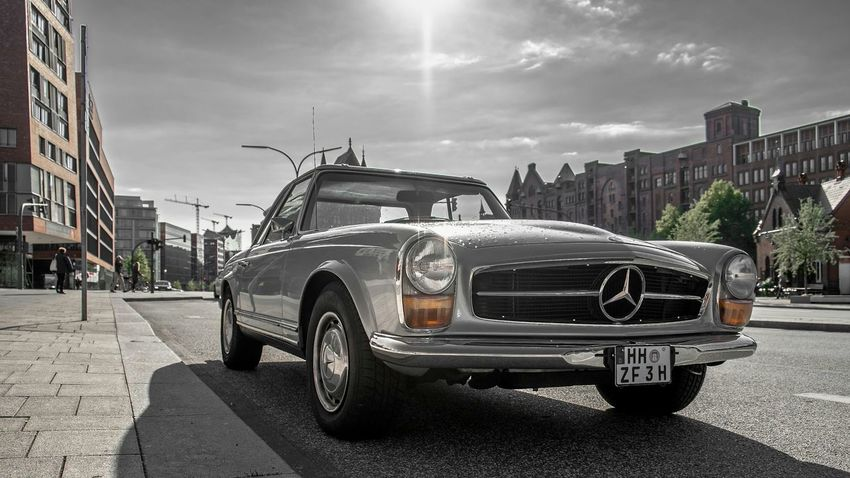 <<surreal SL>> Tadaa Community Bad Weather On Its Way Mercedes-Benz Classic Car Carporn in Hamburg with a Fischbrötchen and my Fujifilm X-e1 in my hand - IHateHashtags ...