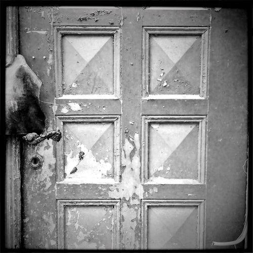 Sorry, we're closed ... 🚶🏻 Tadaa Community Monochrome Der Reisende Blackandwhite From My Point Of View Traveling Fortheloveofblackandwhite EyeEm Best Shots - Black + White Urbanexploration Black And White
