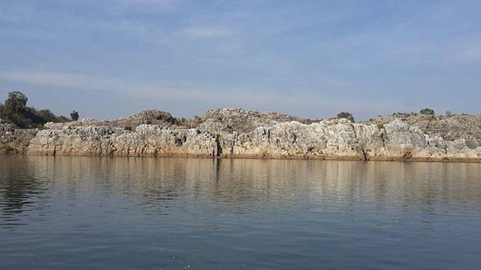 A vist to JABALPUR..grey marble rocks.. Beautiful Landscape Marblerock Marblerocks Amazingplaces Incredibleindia Incredible Narmadariver Beautifulnarmada Northeastindia