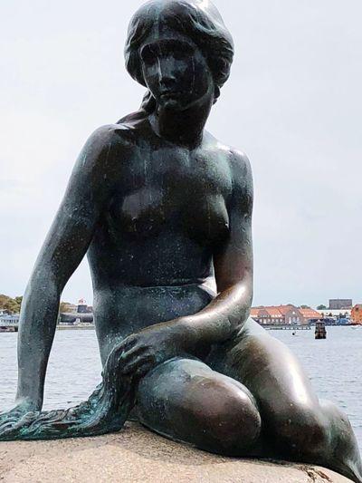 Gift of a Friend, visiting Copenhagen 🙏 Marmeid Statue Bronze Port Water City Cityscape Sky Architecture Human Representation Sculpture Female Likeness