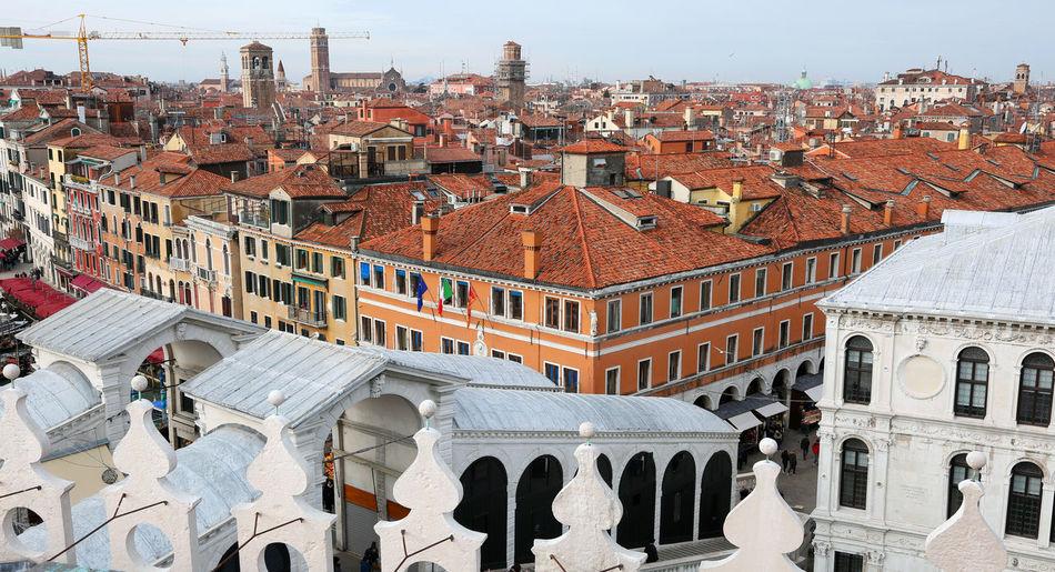 Rialto bridge and many venetian houses