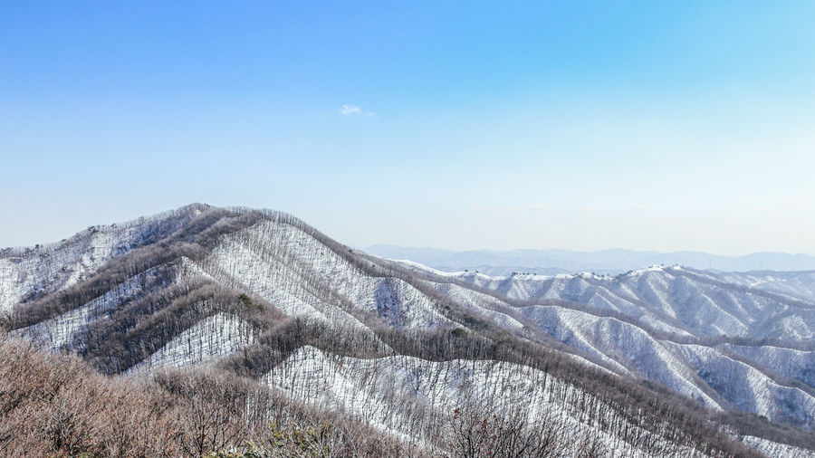 Gangwon Do, South Korea Beauty In Nature Blue Clear Sky Cold Temperature Covering Idyllic Korea Landscape Mountain Mountain Range Nature Park Scenics Season  Seoul Ski Sky Snow Snowcapped Mountain Tranquil Scene Tranquility Vivaldi Winter