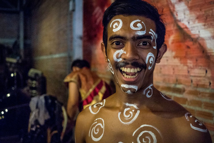 Happiness Happy Outdoors People Portrait Real People Uniqueness Carnival Crowds and Details EyeEm Diversity Art Is Everywhere The Portraitist - 2017 EyeEm Awards This Is My Skin