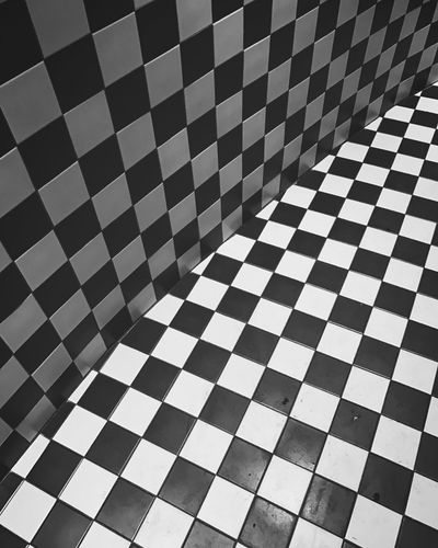 Checked Pattern Flooring Pattern Full Frame Indoors  Square Shape No People Backgrounds Paris
