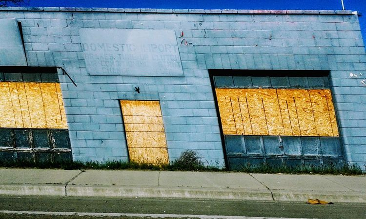 Warped View Outdoors Yellow Built Structure Architecture No People Day Building Exterior Nature Idaho Clear Sky Scenics Getty Creativity Idahography Eyeemphotography EyeEm EyeEm Gallery Eyeemphotography Getty Images Modern Close-up Architecture