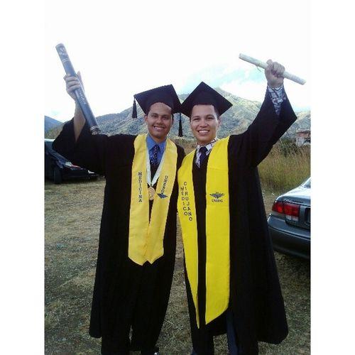 Con mi amigo y colega Wil! Lo logramos amigo! ? Graduation Graduaci ón ActoDeGrado M édicoCirujano Doctor Medicine Medicina UNERG University Universidad Venezuela Friends Amigos Colegas Igers IgersVenezuela InstaGood InstaMood InstaCool InstaMoment InstaPhoto PicOfTheDay GFDaily GF_Ve Like TagsForLike