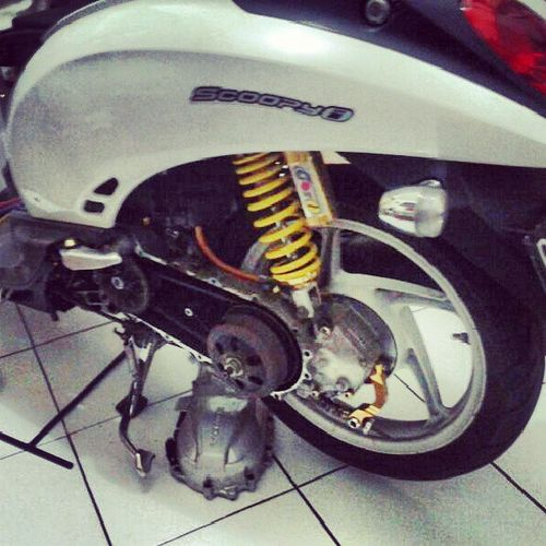 My scoopy after crash @ tmii. Blow engine..... damn. Matic Cycle CVT Blow engine honda scoopy