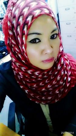 I simple je...pakai shawl main lilit2 jewww...haha...