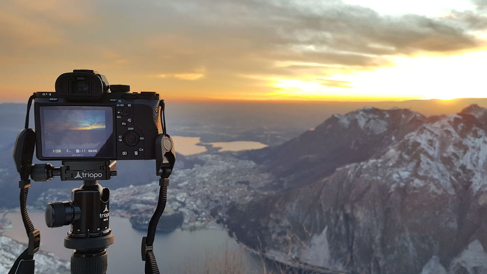 Magic moments Sonya7r2 Lecco Comolakeitaly Volgolecco Iglecco Lucariva Lakecomo Valmadrera Tramonto Sun Imbrunire Sunshine Sunrise Tripod Sonya7 Skyandclouds  Alphausers Sunset Mountain Photography Themes Landscape Outdoors No People Photographing Scenics Camera - Photographic Equipment Technology Sky Nature Day Shades Of Winter Go Higher