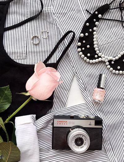 Flatlay Flatly Flatlays Flatlayphotography Fashion Fashion Photography Fashion&love&beauty Blogger Blog White Blacj And White Minimalism Blackandwhite Roses